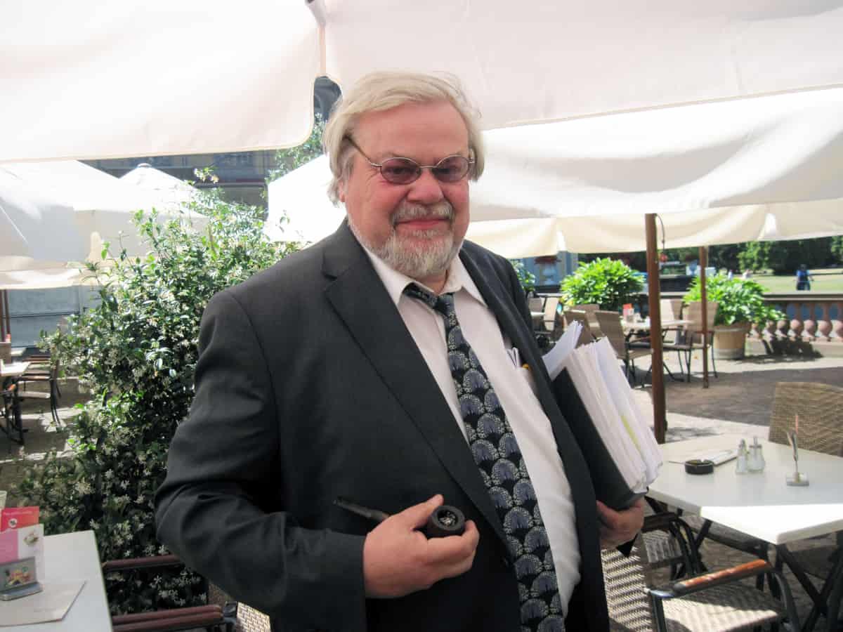 Juror-und-Unterstützer-Prof-Siebenmorgen-iznanger-toepfermarkt